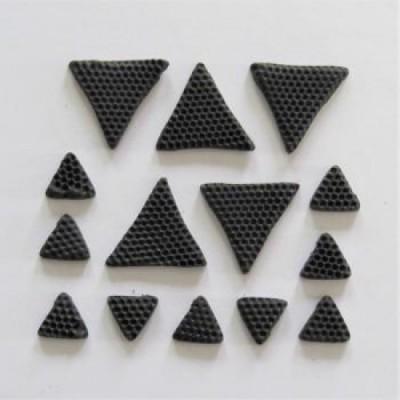 Scrap Fimo - Triangles en fimo Noir