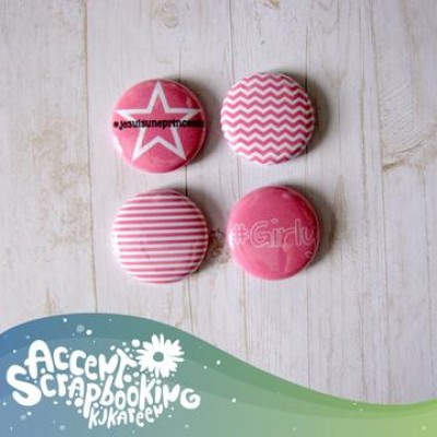 "Scrap Accent - Badges modèle ""Girly"""